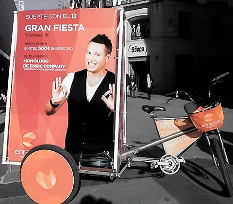 mupi bike con publicidad encima en la ciudad de madrid